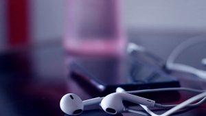 best earphones under 200 with mic